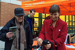 Eva handing out bike lights